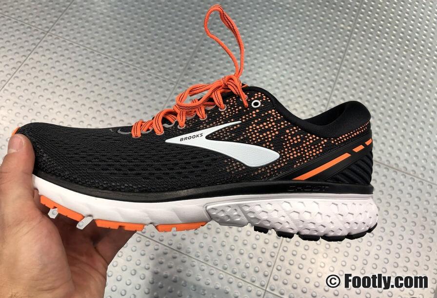 ▷ Die besten Laufschuhe für breite Füße im Vergleich 2020